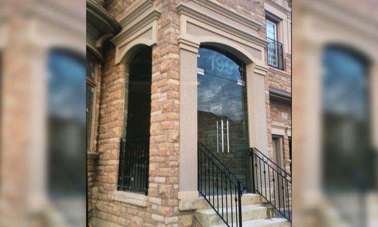 Glass_Entrance_Porch_Enclosures_Oscar_Glass1