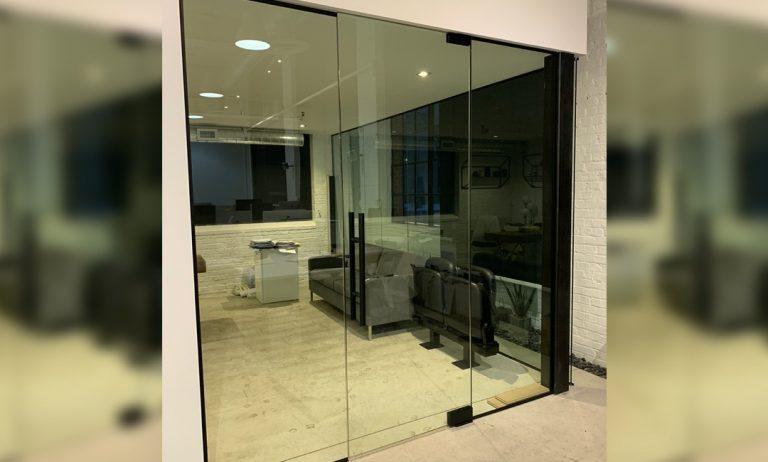Office_Partitions_Entrance_Oscar_Glass